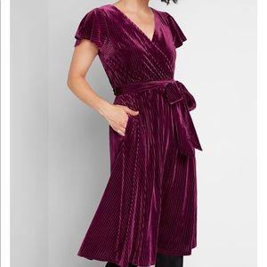 ModCloth Timeless Embrace Velvet Midi Dress (M)